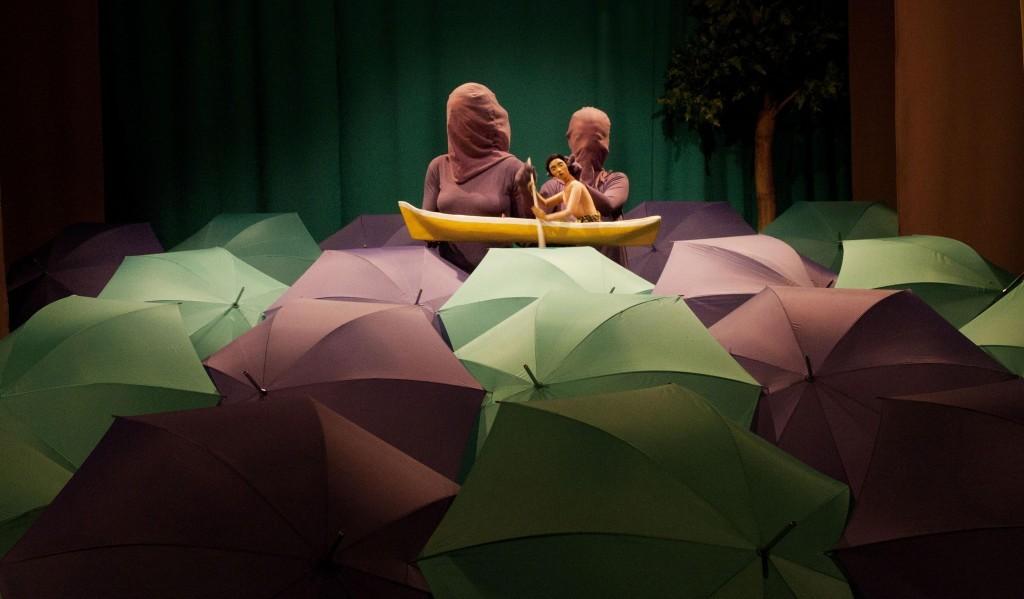 Espetáculo Flutuações, baseado no princípio do Ukiyo-e, em curta temporada em Curitiba